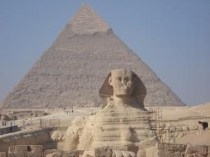 エジプト・ギザのピラミッドの大スフィンクス